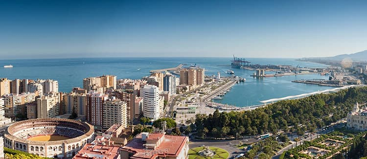 Why should I hire a car in Malaga?